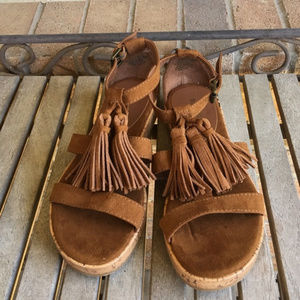 New Mossimo Brown Tassle Sandals Cork heel Sz 6.5